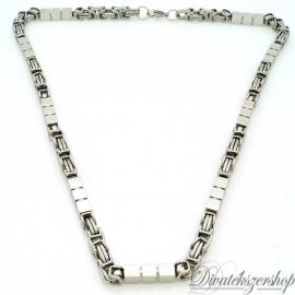 Nemesacél nyaklánc ezüst színű király fonat kocka alakú betétekkel